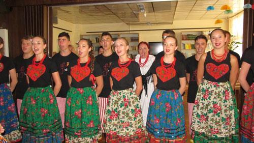 "XI. Međunarodni Festival folklora ""Iz bakine škrinje"""